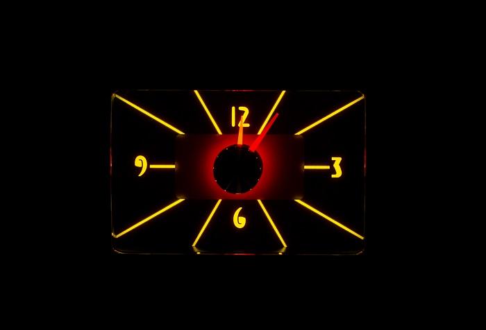 RLC-40F Clock Gauge Yellow Flare Night View