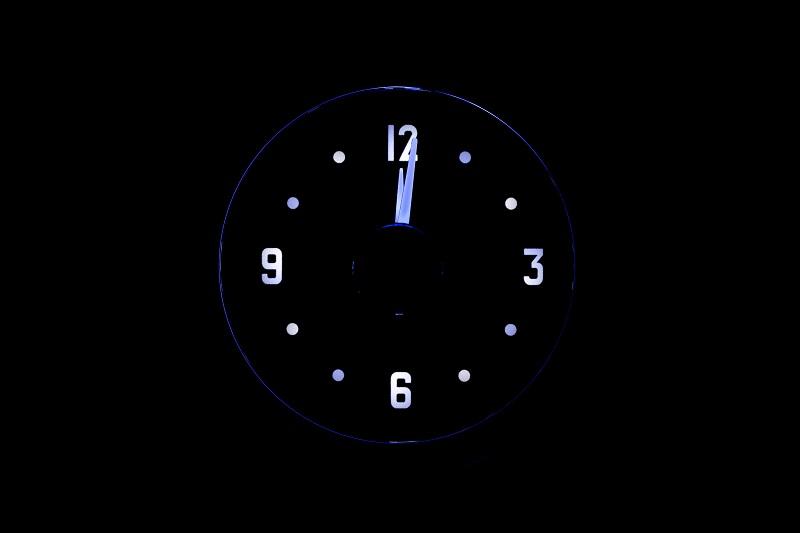 RLC-51C Clock Gauge Ice White Theme at Night