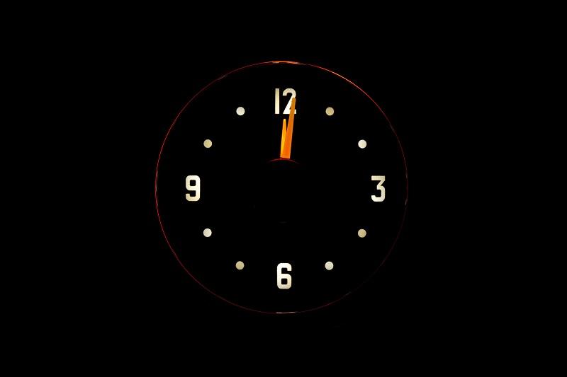 RLC-51C Clock Gauge Incandescdent Theme at Night