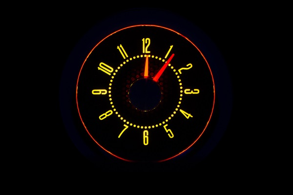 RLC-55C Clock Gauge Yellow Flare Night View