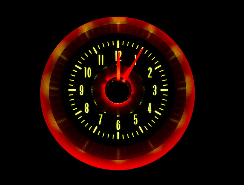 RLC-63C-VET Clock Gauge Yellow Flare Night View